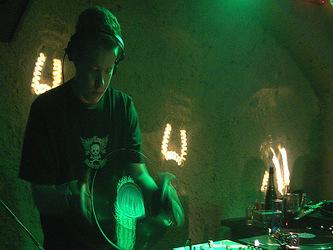 DJ Akira