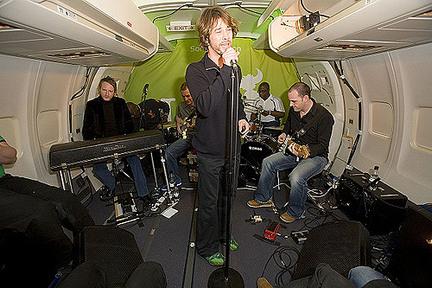 Špeciálny koncert na palube lietadla